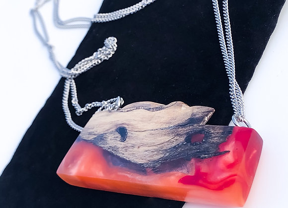 Pendentif résine et bois flotté corail