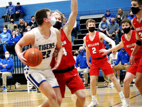 Tigers edge Brillion in flashback classic  Wrightstown boys make it to state final four