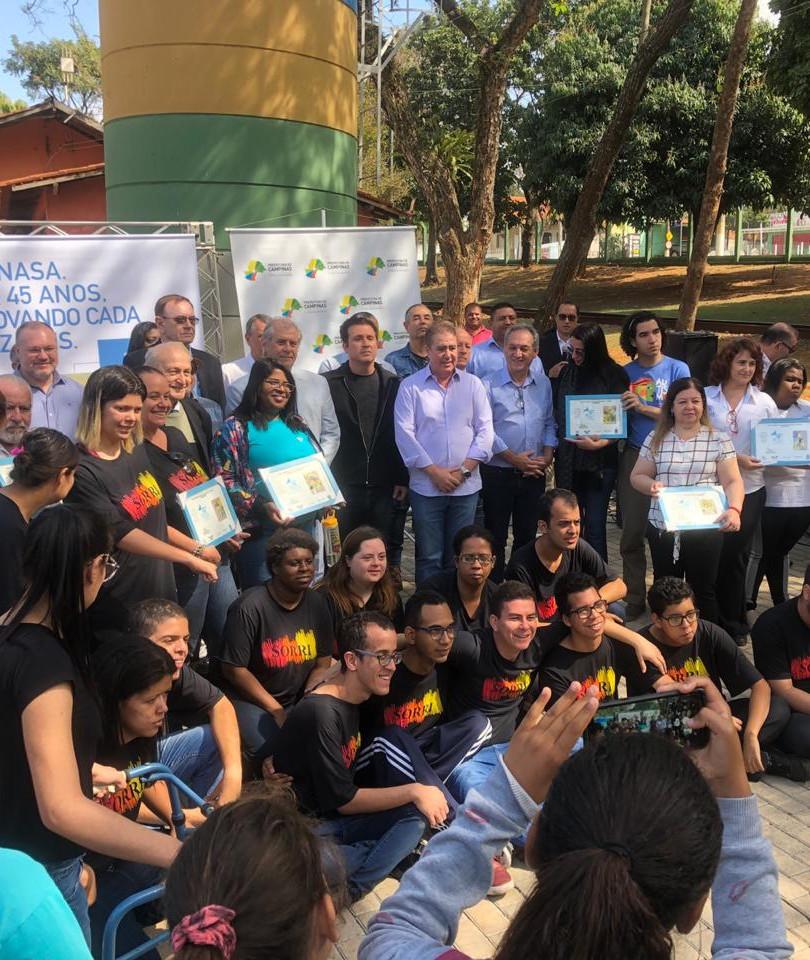 Foto CA CAU junto ao Prefeito de Campinas e as Instituições emvolvidas no Projeto!