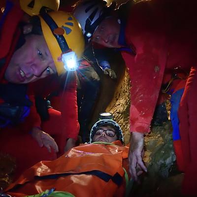 Rettungsübung Wendelsteinhöhle