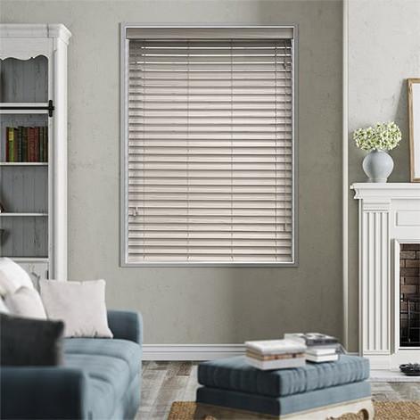 grey-wash-41-wooden-blind-50-1.jpg