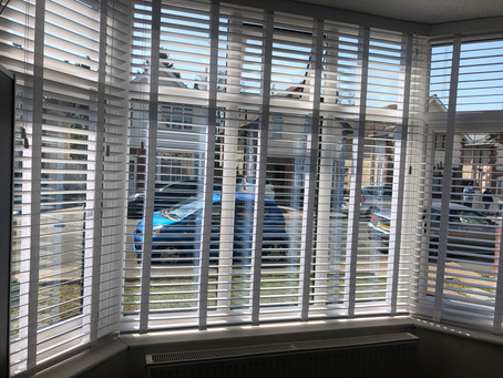 Wooden White Blinds With Tapes