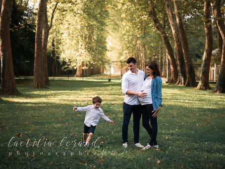 Séance photo maternité à Versailles avec Julie, Mathieu et Gabriel