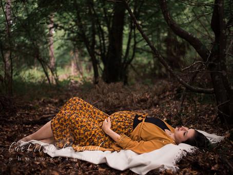 Séance photo grossesse en forêt en Ile de France avec Amélie, alias Tziganette