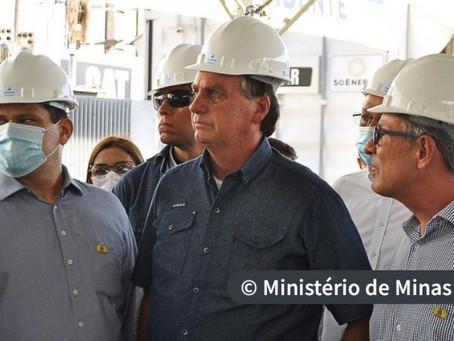 Bolsonaro anuncia no Amapá pagamento de energia retroativo a 30 dias.