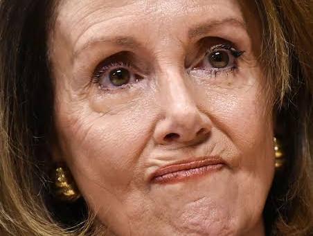 Relatório: Nancy Pelosi pede aos democratas da Câmara que não se juntem ao governo Biden.