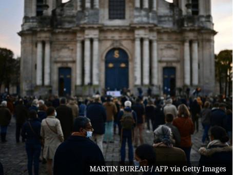 Católicos protestam contra lockdown na França.