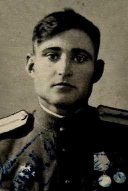 Хоботкин Иван Егорович, ст.лейтенант, участник ВОВ (фото https://pamyat-naroda.ru)