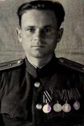 Гашин Петр Прокофьевич, капитан, участник ВОВ, (фото https://pamyat-naroda.ru)