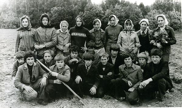 Ученики Копенской средней школы. Фото 1980 г.