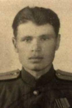 Суматохин Михаил Федорович, ст.лейтенант, участник ВОВ (фото https://pamyat-naroda.ru)