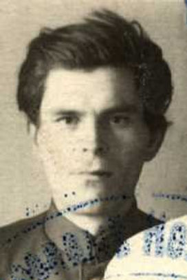 Бирюков Тихон Тихонович, лейтенант, участник ВОВ (фото https://pamyat-naroda.ru)