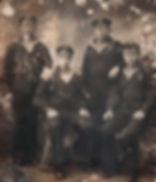 Иваченков Иван Дмитриевич (крайний справа), уроженец с.Ажово, проживал в п.Каменец, участник Кронштадтского восстания. Фото 1919 г.