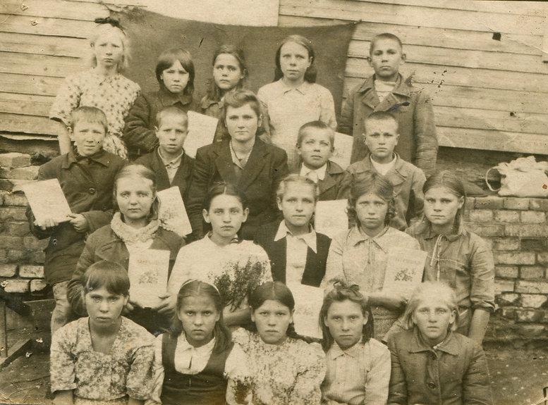 Учитель Погорельцевской школы Печенкина