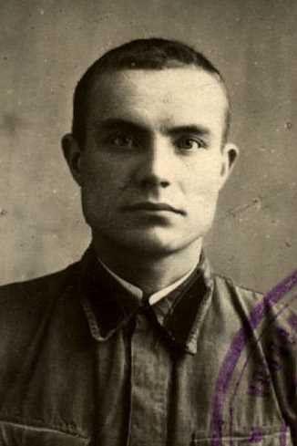 Лавров Григорий Венедиктович, лейтенант, д.Толбузево (фото https://pamyat-naroda.ru)