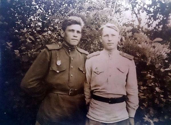 Ильин Алексей Тимофеевич (справа), участ