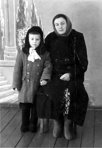 Олейник Анна Никитовна, уроженка с.Гнань,  узница фашистского концлагеря