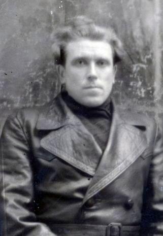 Шкребо Василий Андреевич,  директор Радубежской школы