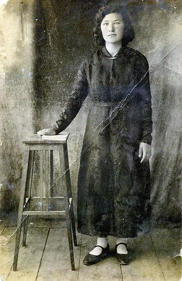 Колпенская (Капустина) Александра Егоровна, учитель Гнанской школы. Фото 1930-х гг.