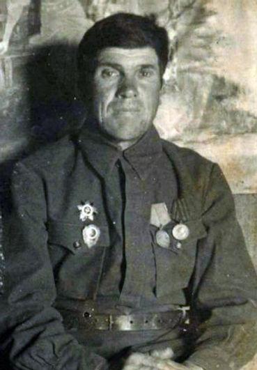 Азаренко Иван Никанорович, уроженец с.Радубеж, участник Первой мировой и Великой Отечественной войн.