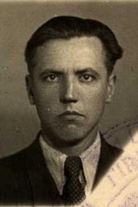 Леонтьев Александр Дмитриевич, лейтенант, участник ВОВ (фото https://pamyat-naroda.ru)