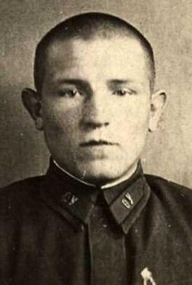 Кайдаков Михаил Филиппович, ст.лейтенант, участник ВОВ (фото https://pamyat-naroda.ru)