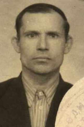 Воронин Николай Дмитриевич, учитель Гремяченской школы, ветеран ВОВ (фото https://pamyat-naroda.ru) 