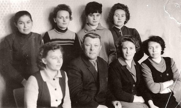 Коллектив Михайловского райфинотдела. Фото 1965 г.