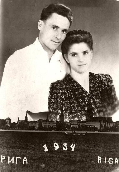 Сучелева Анна Семеновна с мужем Александром Лиепинс. Рига, 1954 г.