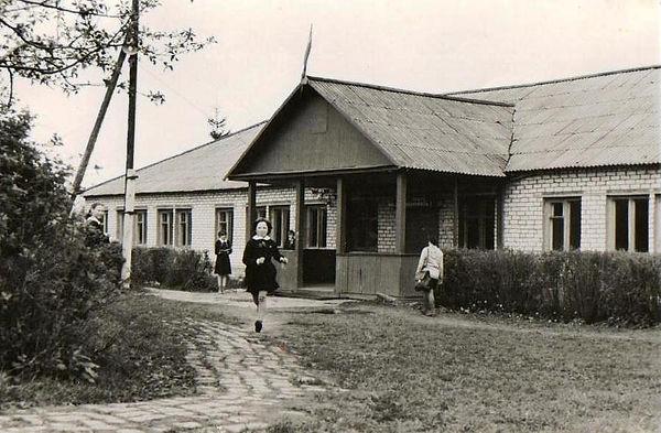 Здание Веретенинской школы.jpg