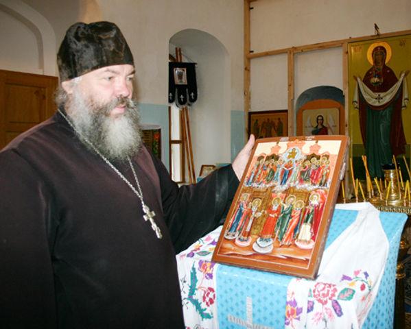 Священник Покровской церкви Виталий Герасимчук.