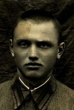 Ланин Георгий Наумович, лейтенант, участник ВОВ (фото https://pamyat-naroda.ru)