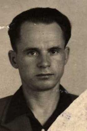 Кайдаков Павел Егорович, ст.инженер-лейтенант, участник ВОВ (фото https://pamyat-naroda.ru)