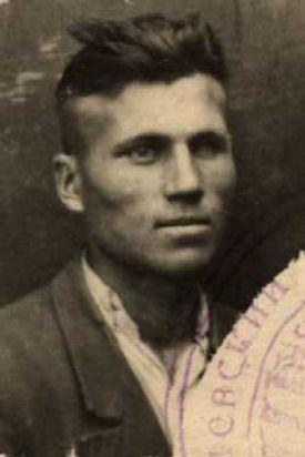 Ильин Петр Григорьевич, мл. лейтенант, участник ВОВ (фото https://pamyat-naroda.ru)