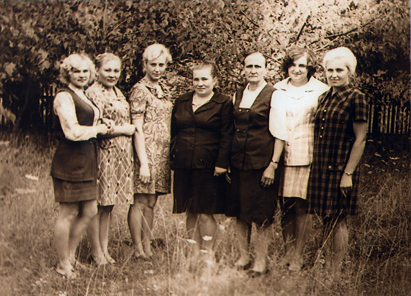 Работники бухгалтерии колхоза им.Ленина. Фото 1975 г.