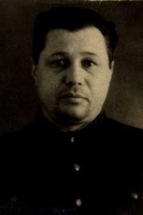 Манушин Сергей Степанович, ст.лейтенант, участник ВОВ (фото https://pamyat-naroda.ru)