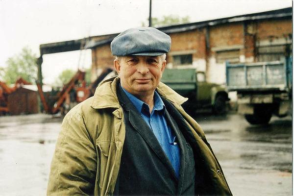 Крепачев Иван Федорович, заведующий складом колхоза XXI партсъезда
