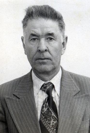 Кондрашов Николай Егорович,  директор Андросовской школы