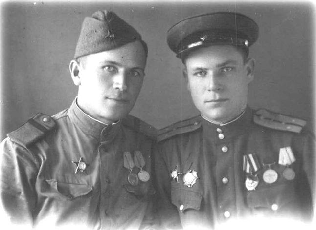 Махонин Георгий Стефанович (справа), участник ВОВ, кавалер ордена Александра Невского
