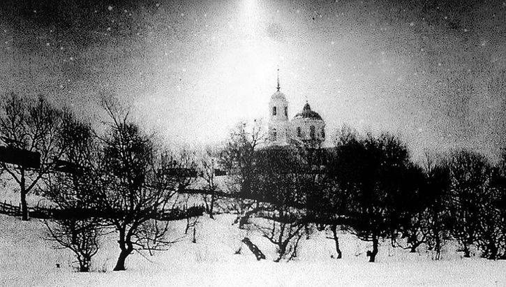 Вид на Архангельскую церковь в селе Линец. Фото начала ХХ в.