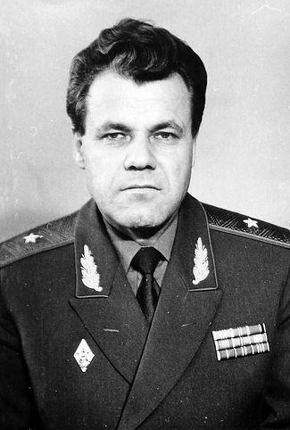 Евстратов Вячеслав Александрович,  генерал-майор, член Верховного Совета РСФСР