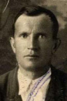Суматохин Григорий Егорович, лейтенант, участник ВОВ (фото https://pamyat-naroda.ru)