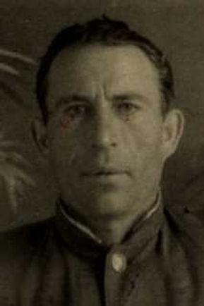 Чекмарев Василий Николаевич, лейтенант, участник ВОВ (фото https://pamyat-naroda.ru)