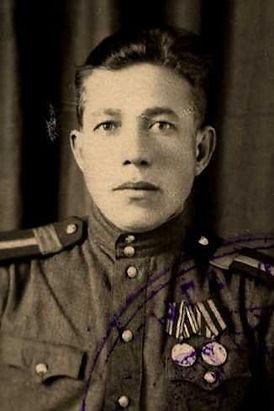 Русанов Василий Яковлевич, лейтенант, участник ВОВ (фото https://pamyat-naroda.ru)