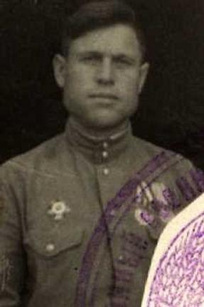 Иванов Иван Иванович, мл.лейтенант, участник ВОВ,(фото https://pamyat-naroda.ru) 