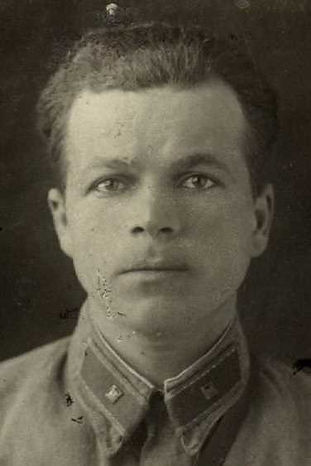 Калинин Александр Григорьевич, лейтенант, участник ВОВ (фото https://pamyat-naroda.ru)