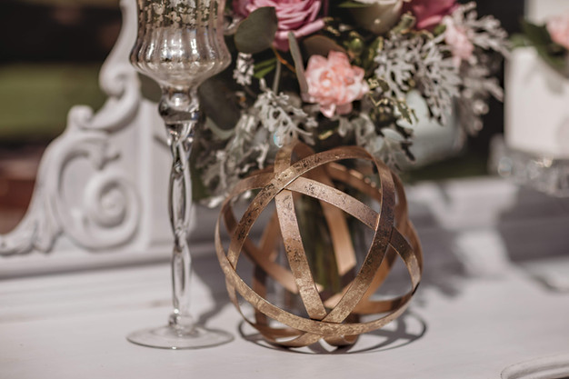 sphere centerpiece