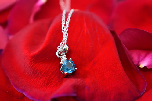 Round Kyanite with Round White Zircon Sterling Silver Pendant with chain