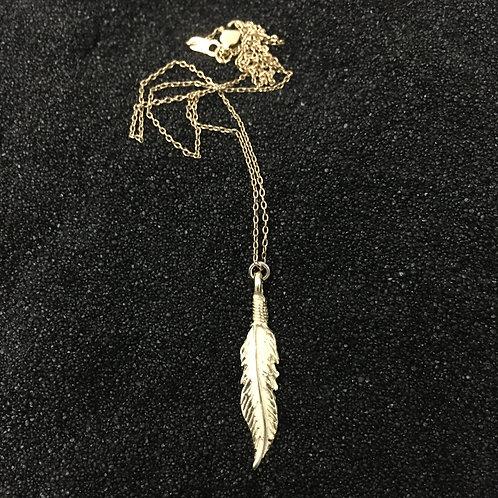 10 karat gold feather pendant necklace