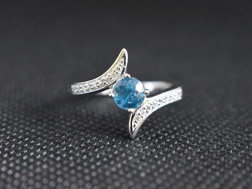 Round Chromium Blue Kyanite Ring
